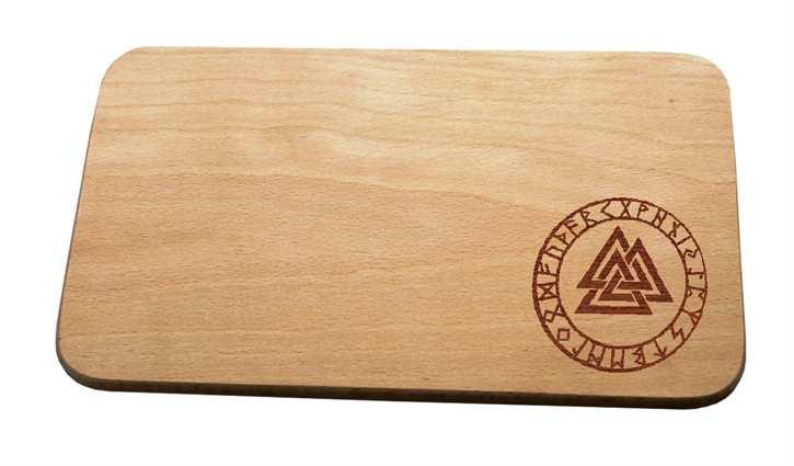 Brotzeitbrett Wotansknoten mit Runenband