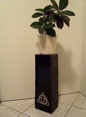 Blumensäule: Keltischer Knoten II